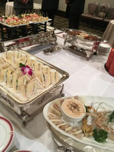 祝賀会での食事1