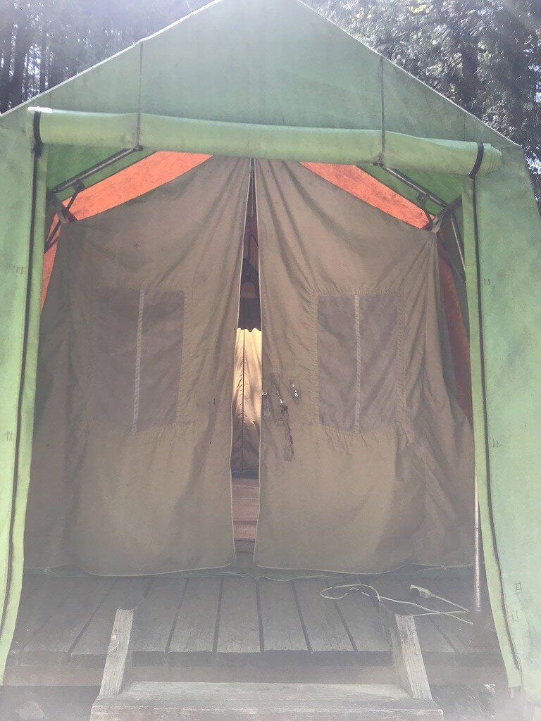高床式テント外観